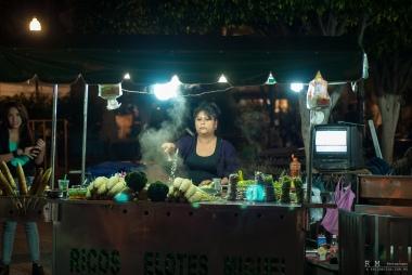 Elotes Brocoli Cacahuates y Guasanas